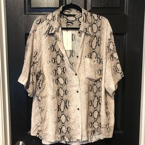 Zara short sleeve snake print blouse button down